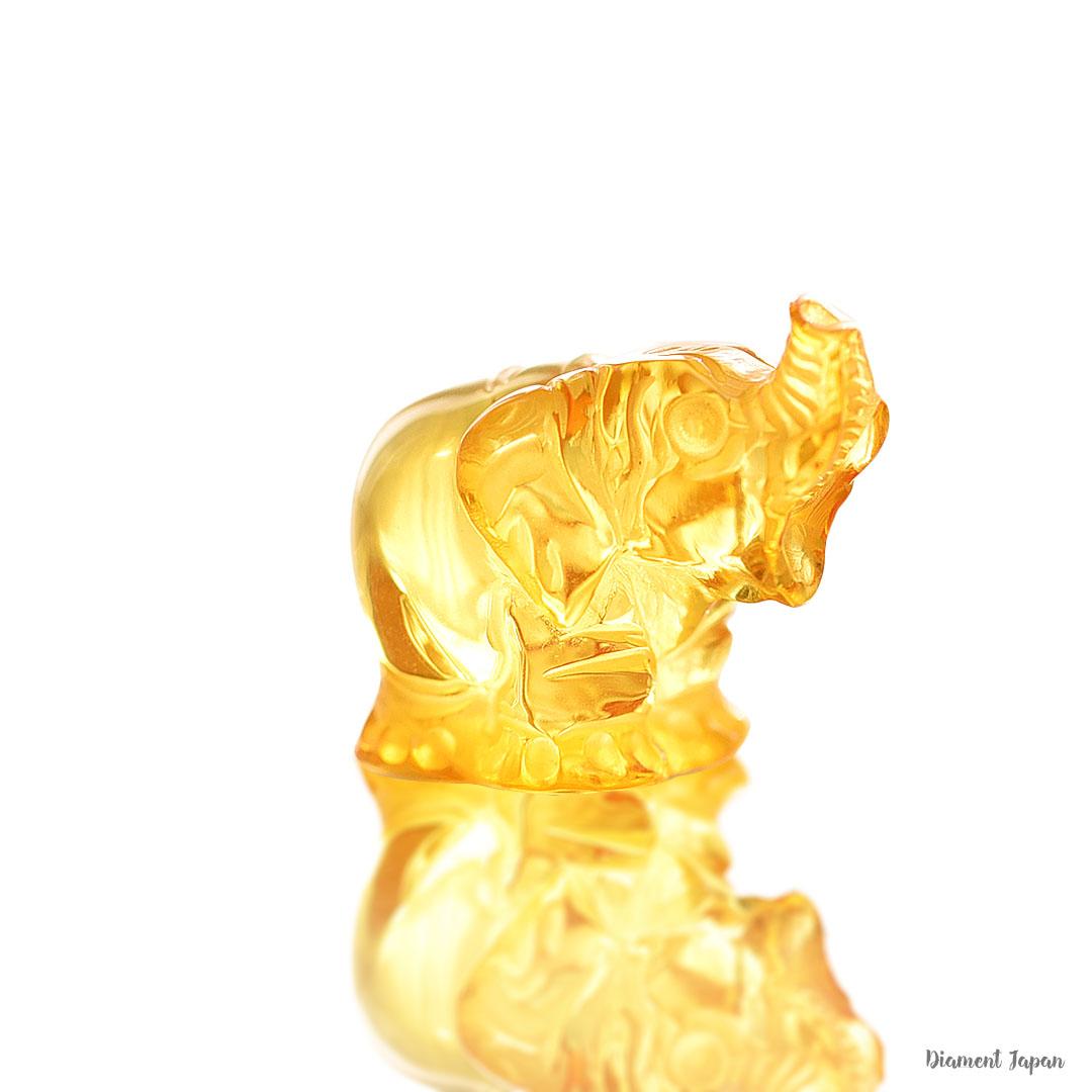 【琥珀の置物】イエローアンバーの象/琥珀の象
