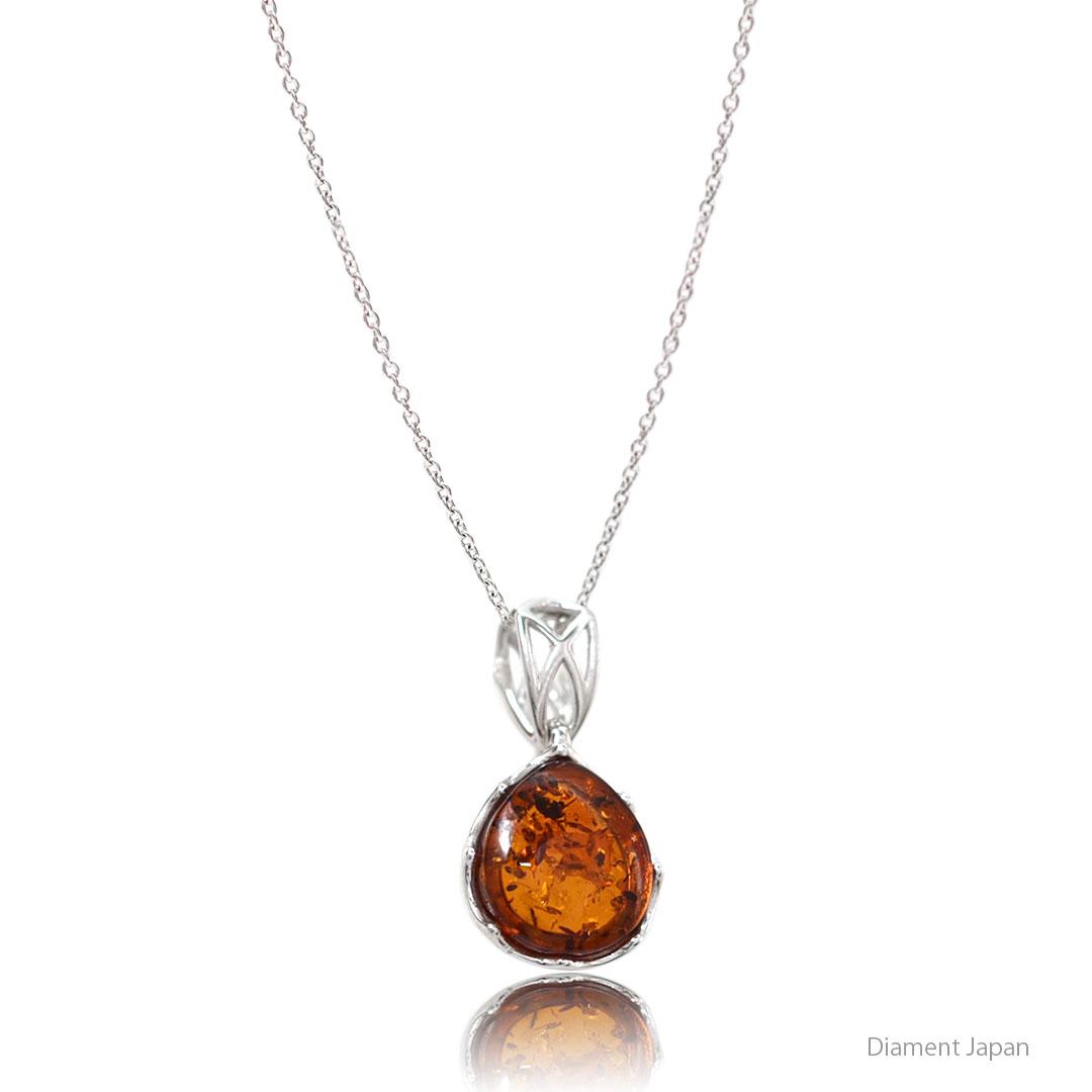 シンプルでおしゃれな琥珀ペンダント【バルト海のコニャックアンバー】天然石アクセサリー