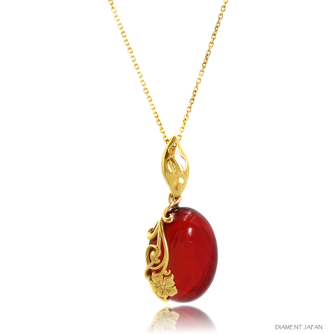 レッドアンバー 赤い琥珀 ペンダント 天然石ネックレス ポーランド産のバルティックアンバー